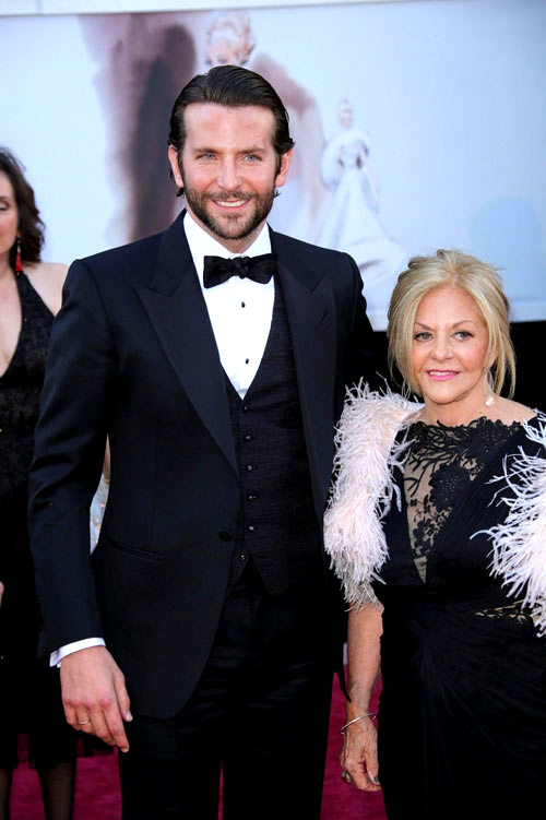 Does the 3-piece Suit make Bradley Cooper look Hotter than we imagine?