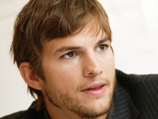 Ashton-Kutcher-in-action